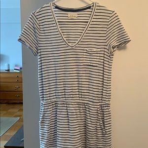 Lou & grey cotton T-shirt dress with pockets!!!!